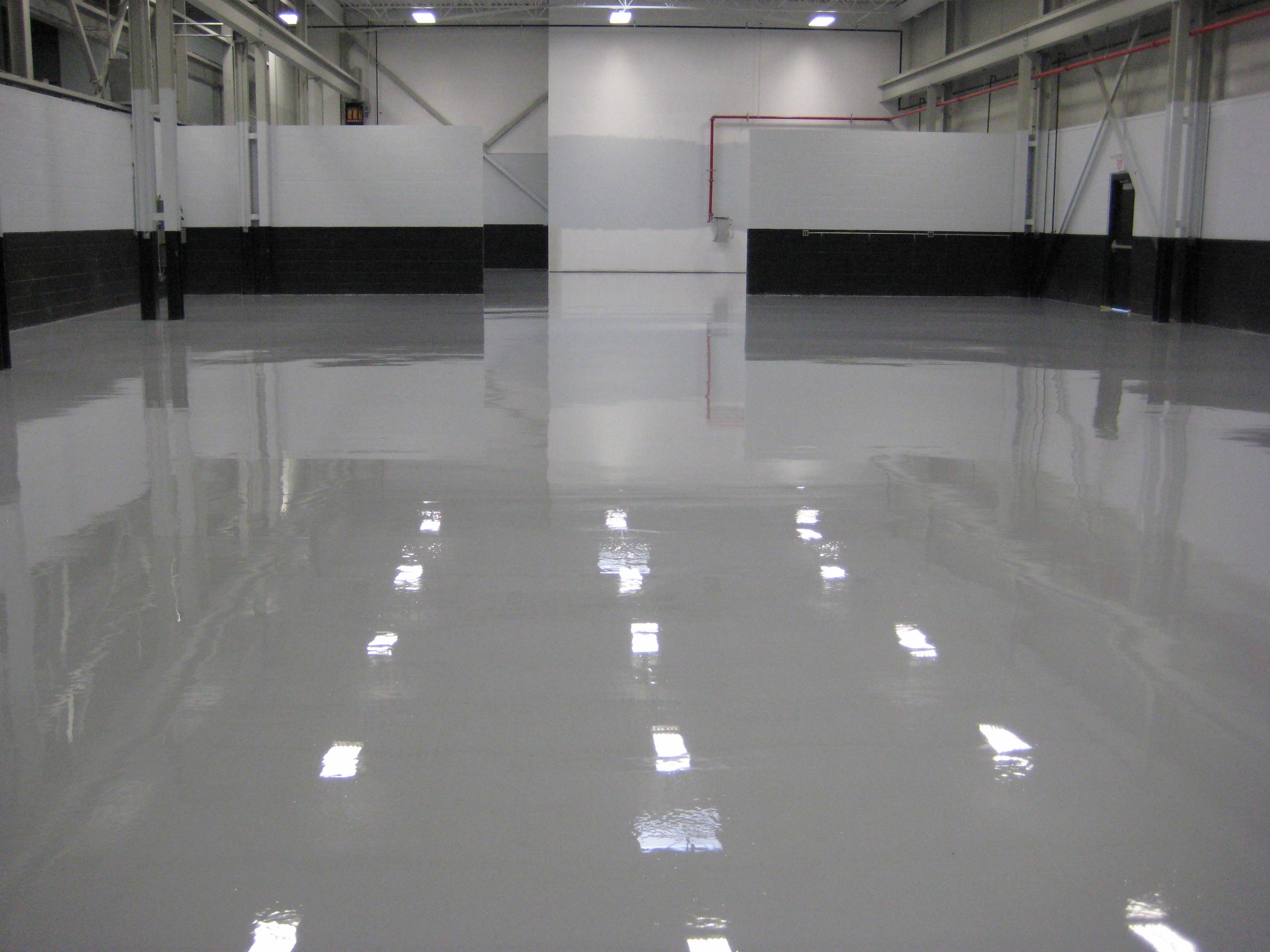 Como ter um piso perfeito retaprene poliuretanos - Pinturas epoxi para suelos ...